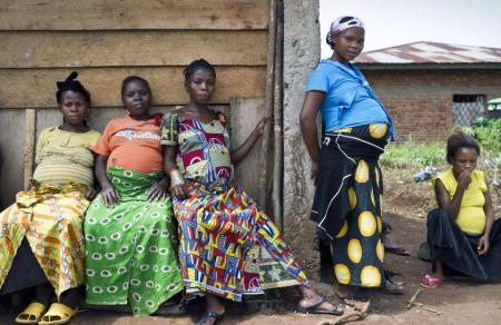 five pregnant african women