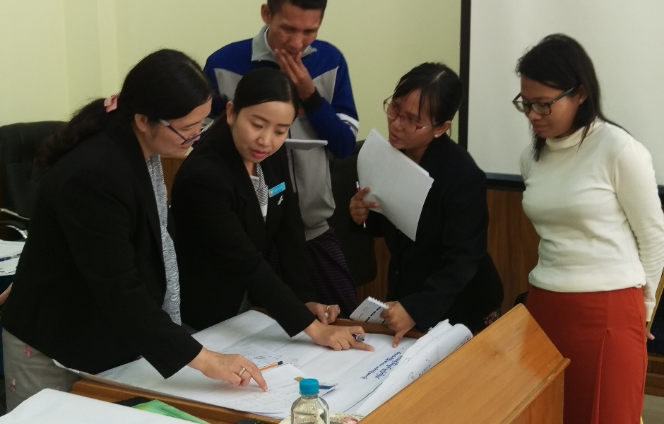 Training with members and staff of the Shan State Hluttaw.